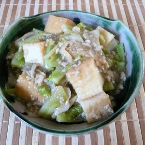 ブロッコリー茎入り、厚揚げのそぼろ煮