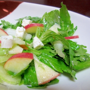 セロリとリンゴのサラダ
