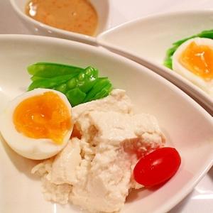 豆乳タレで食べる、寄せ豆腐の4色盛り