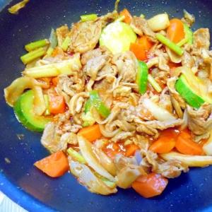 野菜炒め 豚肉入り。