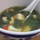 夏バテ知らず。モロヘイヤと豆腐とトマトのスープ