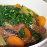 サバの味噌煮缶と大根の煮物