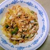 キャベツと鶏ひき肉のケチャップ炒め