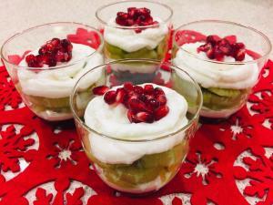ヨーグルトとキウィの簡単クリスマスパフェ