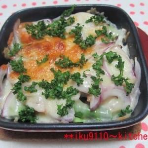 あらびきウインナー・アスパラ・赤玉葱チーズ焼き