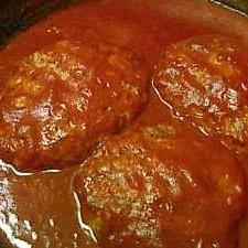 トマトジュースで。かさ増し煮込みハンバーグ