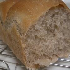 ::黒豆の煮汁で 食パン::