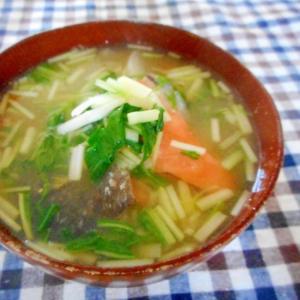 鮭と水菜の味噌汁