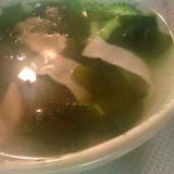 わかめとハムとブロッコリーのスープ