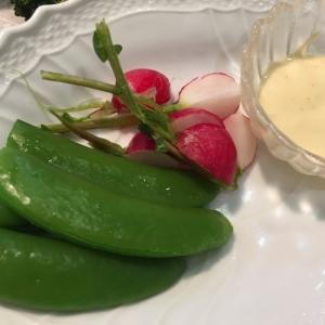 スナックエンドウの塩茹スティックサラダ