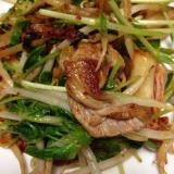豚コマと豆苗のキムチ炒め