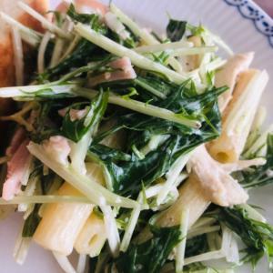 水菜とハムのマカロニマヨサラダ
