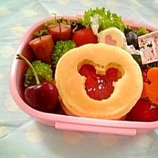 簡単キャラ弁☆ミッキーパンケーキのお弁当♪