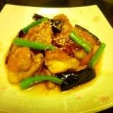 鶏とナスの照り煮、金ゴマ風味