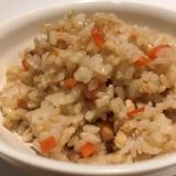 玄米を美味しく食べる混ぜご飯