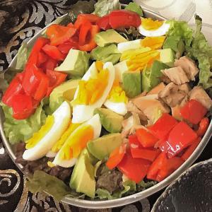 サラダチキンと焼きパプリカ♪アボカドのサラダ