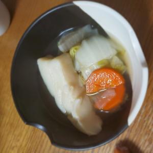 はんぺんと白菜と人参の白だし煮
