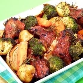 みりん漬スペアリブと旬野菜のオーブン焼き