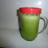 青梗菜と森永ヨーゴのジュース