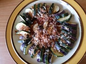 ズッキーニとなすの超簡単温サラダ