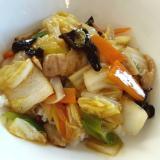 野菜もたっぷりとれる中華丼