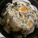 とっても簡単!卵乗せ♪白菜と豚肉のミルフィーユ鍋