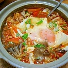 豆腐たっぷり スンドゥブチゲ ( 韓国風豆腐鍋 )