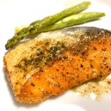 塩鮭で簡単!手抜きの定番魚料理、鮭のムニエル!
