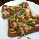 大豆とチョリソーのピザトースト