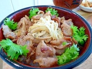 豚バラ肉でピリ辛スタミナ丼