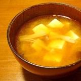 我が家の味噌汁★豆腐としめじとエノキダケ
