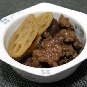 馬スジ肉とレンコンの甘辛煮