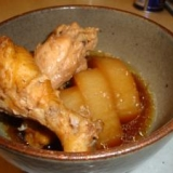 圧力鍋で☆お肉ほろほろ手羽元と大根の煮物