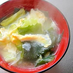 キャベツとわかめ卵の味噌汁