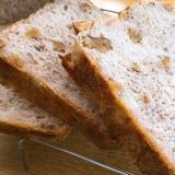 •胡桃とメープルの食パン•