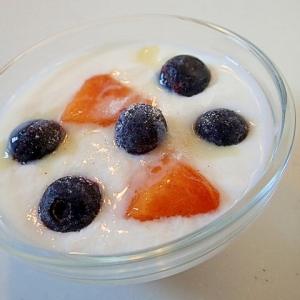 美的に 柿とブルーベリーのミルキーバニラヨーグルト
