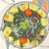 トレビス、アスパラ、海藻サラダ、ロースハムのサラダ