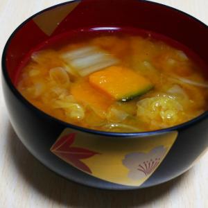 かぼちゃと白菜の味噌汁