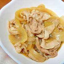 玉ねぎと豚煮
