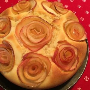 バラが可愛い!簡単りんごケーキ