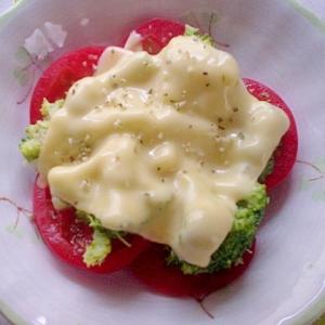 完熟トマトとブロッコリーのとろチーホットサラダ☆