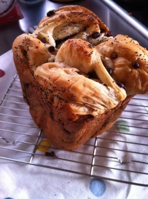 ホームベーカリーで簡単*甘納豆の渦巻き食パン