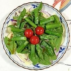 アイスプラントとアスパラのサラダ