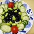 蒸し黒豆に、枝豆、胡瓜、ミニトマト