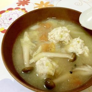 ありあわせ野菜で鶏団子スープ