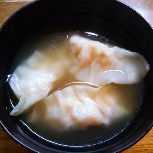 エビ入り水餃子の中華スープ