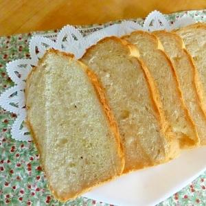 いりごま入り食パン