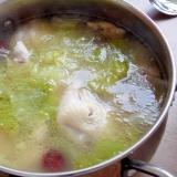まるごと鶏のスープ レタス入り