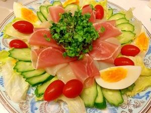 おもてなしにも☆生ハム&ホタテサラダ