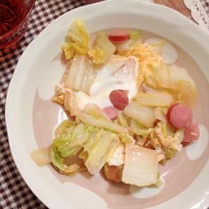 白菜をたっぷり摂れちゃう♫白菜とソーセージの卵とじ